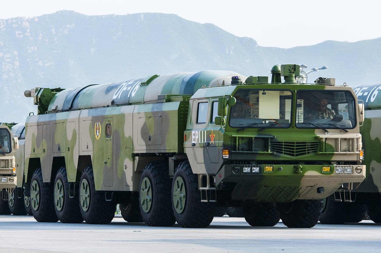DF-16 à la parade militaire du 3 Septembre 2015