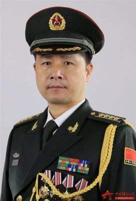 Le général de brigade CHENG De Ming