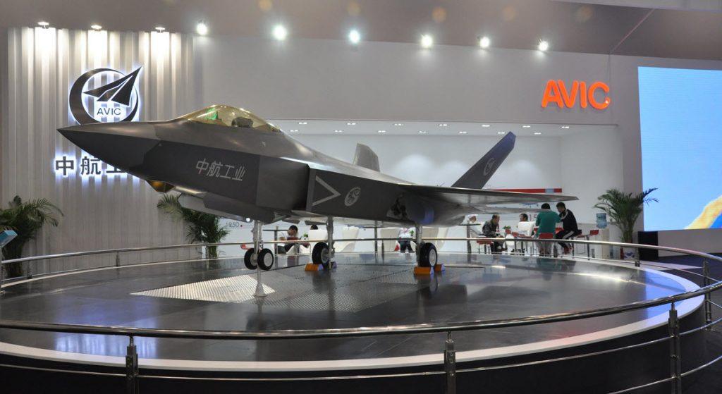 Maquette du deuxième prototype de FC-31 qui devrait effectuer son vol inaugural avant fin 2016