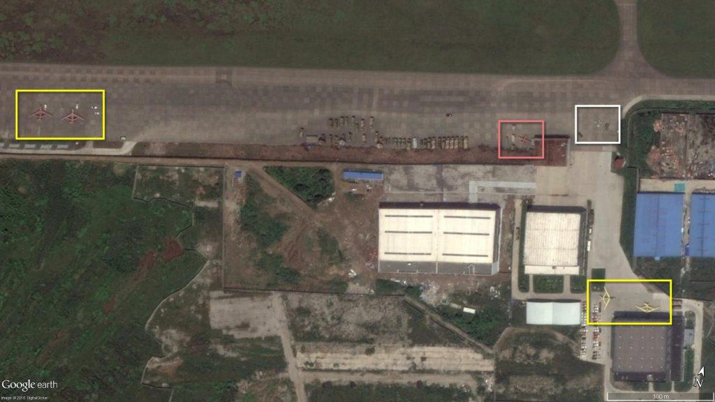 6 drones de 3 modèles sur le tarmac de l'Usine Yun Ma de GAIC (Source : DigitalGlobe / EastPendulum)