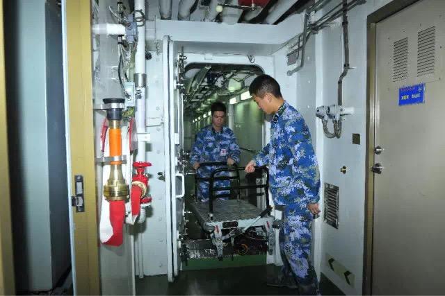 2016-10-21-la-vie-a-bord-du-porte-avions-chinois-16-liaoning-17