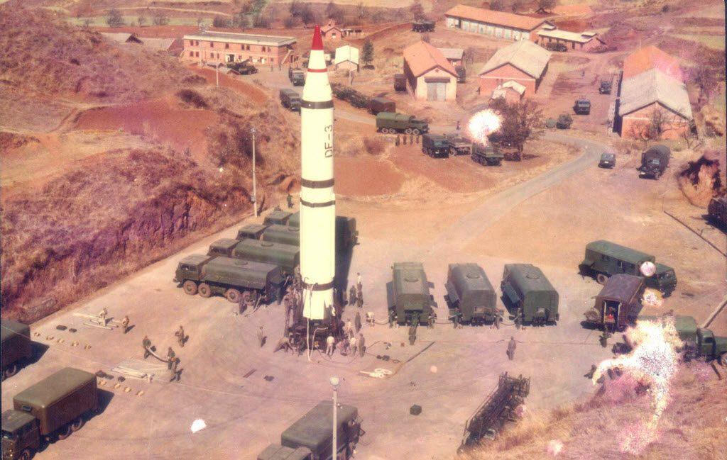 Le missile balistique DF-3 à ergol liquide