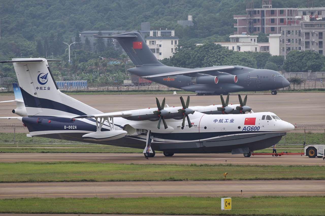 """l'AG600 et le Y-20, deux des trois projets chinois de """"grand avion"""""""