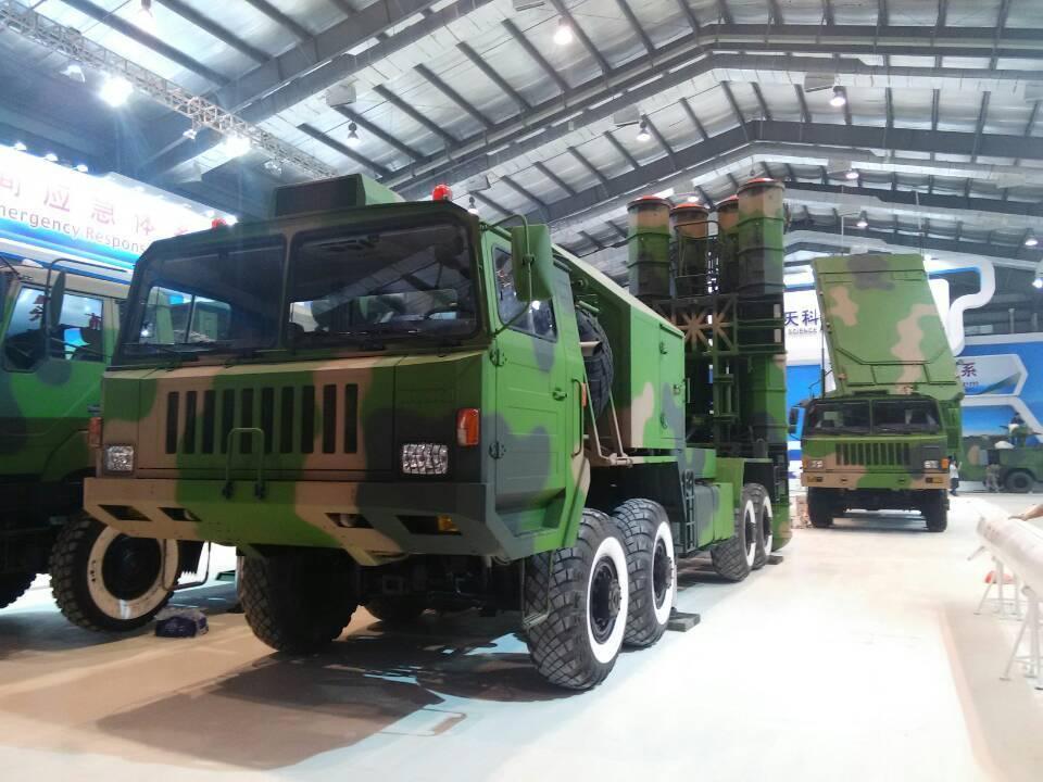 l'Irak aurait chinois le système FD-2000. Ici les lanceurs et leur radar de conduite de tir.