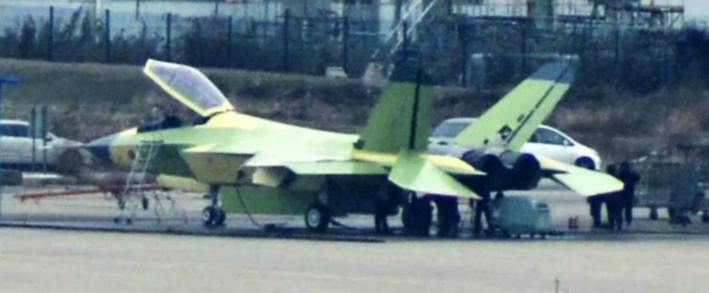 [Aviation] Projet 310 (AMF, FC-31 ou F-60) - Page 5 2016-12-24-Le-2%C3%A8me-prototype-de-FC-31-en-vol-06-1024x424