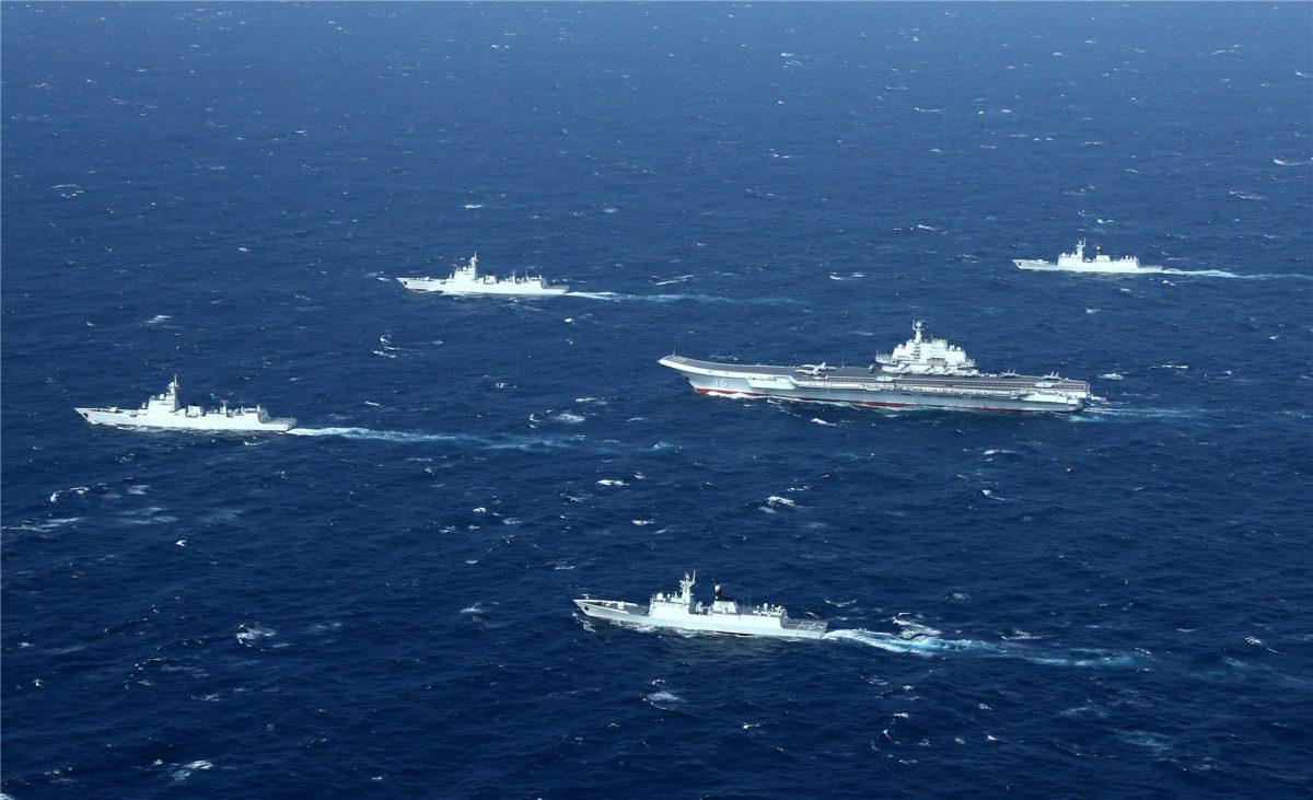 Le groupe aéronaval Liaoning en mer de Chine méridionale