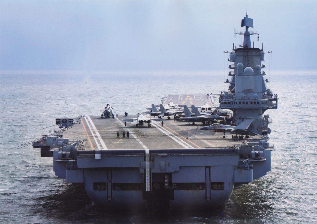 2017-04-04-Le-porte-avions-Liaoning-repa