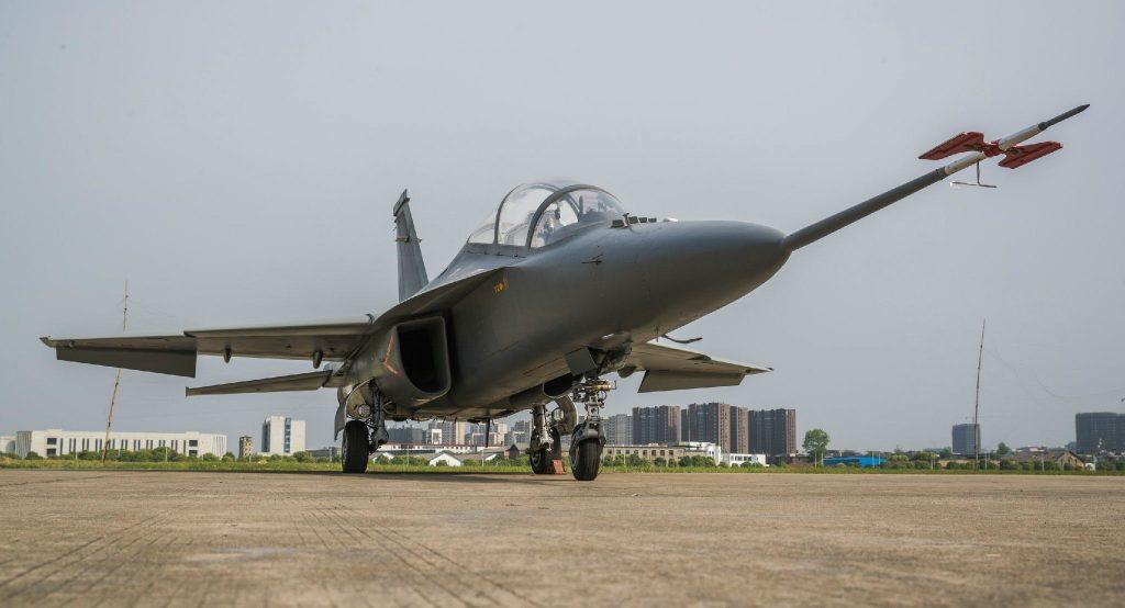 [Aviation] JL-10 / L-15 - Page 2 2017-05-02-L-15B-Nouvelle-variante-dattaque-de-JL-10-se-d%C3%A9voile-16-1024x554