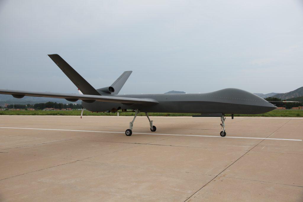 [Aviation] Drones & Drones de Combat Chinois - Page 12 2017-07-16-Le-drone-militaire-CH-5-prend-son-envol-20-1024x683