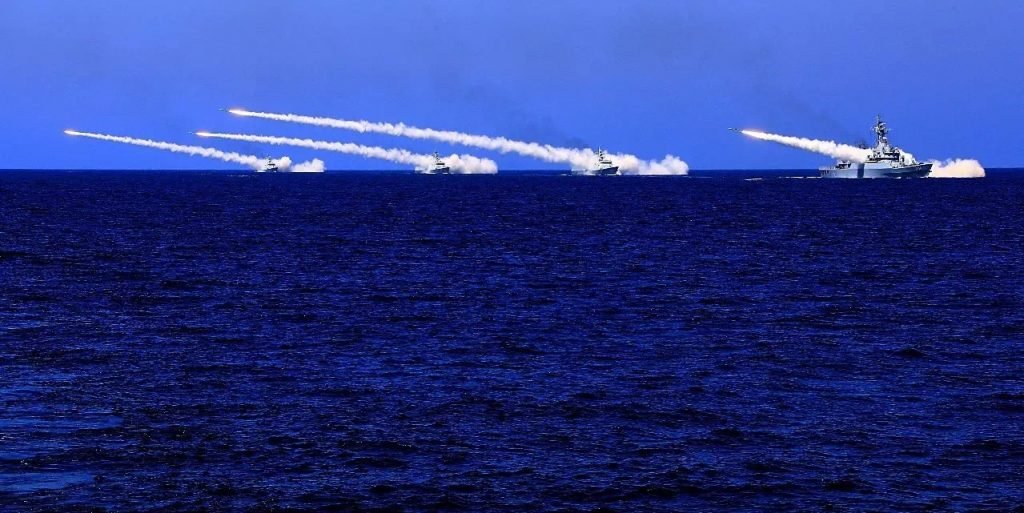 Fil Infos - PLAN - Marine Chinoise - Page 34 Article-2017-08-08-La-marine-%C3%A0-lEst-les-forces-des-fus%C3%A9es-%C3%A0-lOuest-02-1024x513