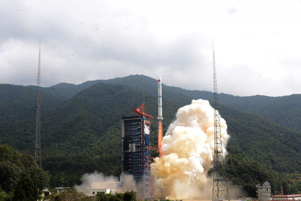 CZ-2C (3x Yaogan-30 01) - 29.09.2017 2017-09-30-La-Chine-lance-avec-succ%C3%A8s-le-triplet-militaire-YG-30-02-1024x684