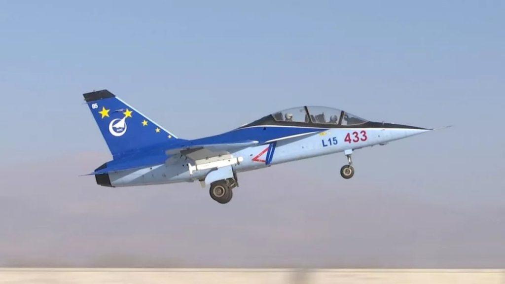 [Aviation] JL-10 / L-15 - Page 2 2018-09-26-L-15-teste-deux-nouvelles-munitions-Air-Surface-02-1024x576