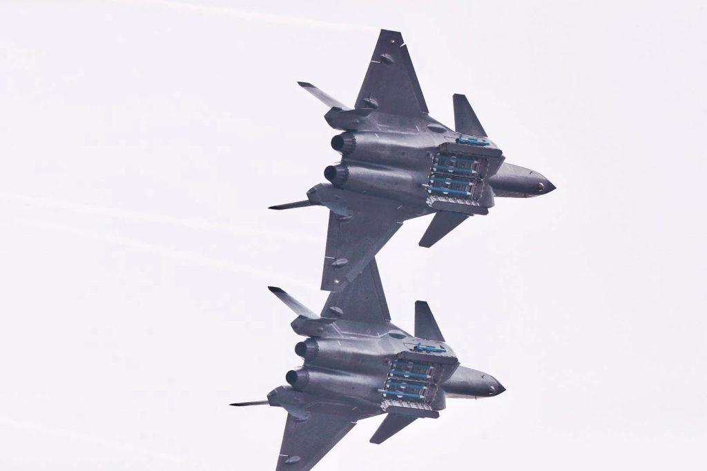[Aviation] J-20 - Page 22 2018-11-12-Cockpit-soutes-d%C3%A9monstration...-le-J-20-se-d%C3%A9voile-davantage-Part-07-1024x683