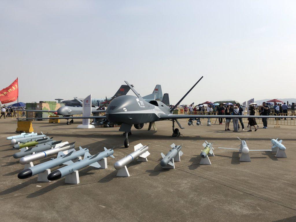 [Aviation] Drones & Drones de Combat Chinois - Page 14 2018-11-27-La-courtes-pattes-attitude-du-drone-Cloud-Shadow-se-confirme-03-1024x768