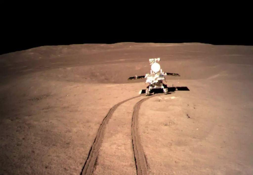 Chang'e 4 - Mission sur la face cachée de la Lune (rover Yutu 2) - Page 7 2019-01-06-Change-4-Deux-engins-chinois-sur-la-face-cach%C3%A9e-de-la-lune-01-1024x706