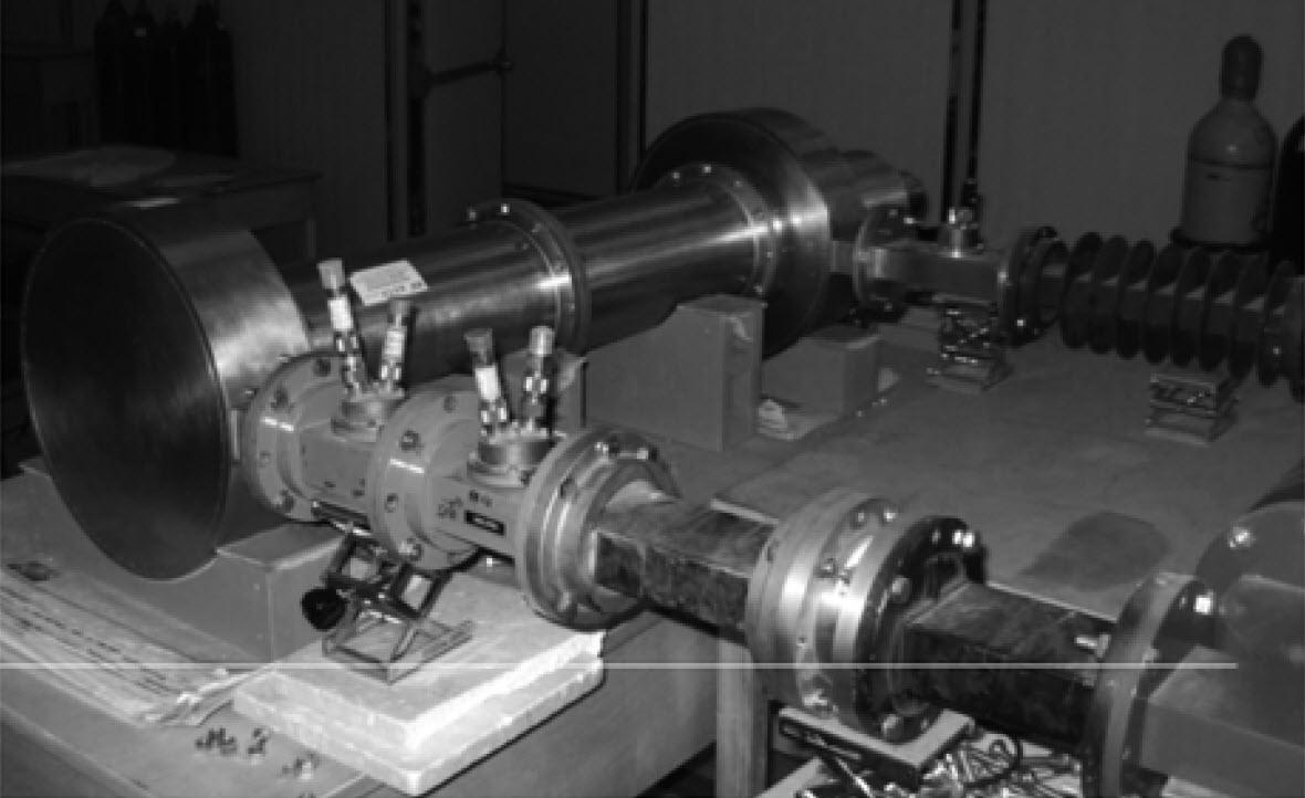 Arme à micro-ondes de grande puissance